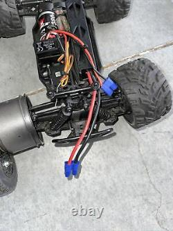 2 ECX AMP Remote Control RC Electric Truck N Car Body Only Untested As Is