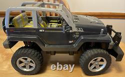 Jeep Radio Shack RC 4x4 Monster Truck Car Works 18 W Remote 2 Batteries Charger