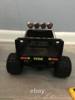 Two Vintage Tyco 9.6v Turbo Baja Eliminato RC Car W Charger Battery. One Remote
